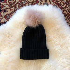 Accessories - Black Knit Hat w/ Removable Light Pink Pom